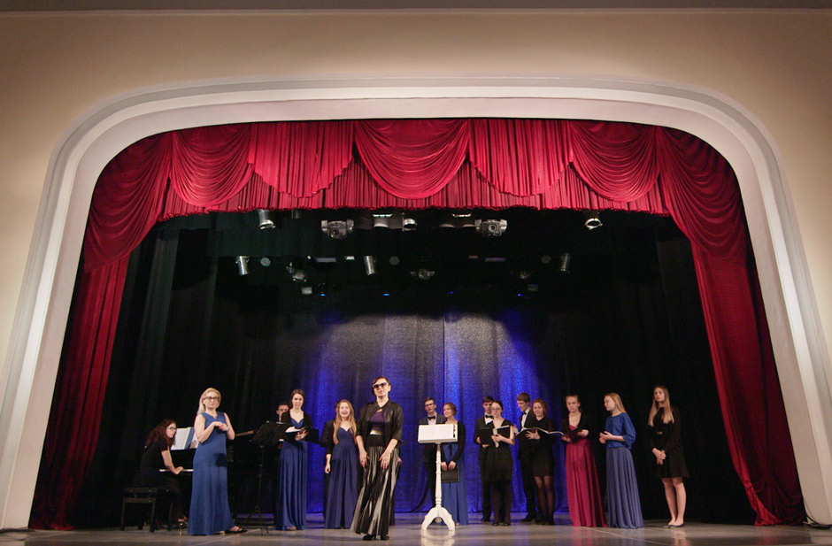 "Chamber Choir of the Pushkin Theater performing in Marios Joannou Elia's ""Sound of Vladivostok"" (c) Pushkin Theatre"