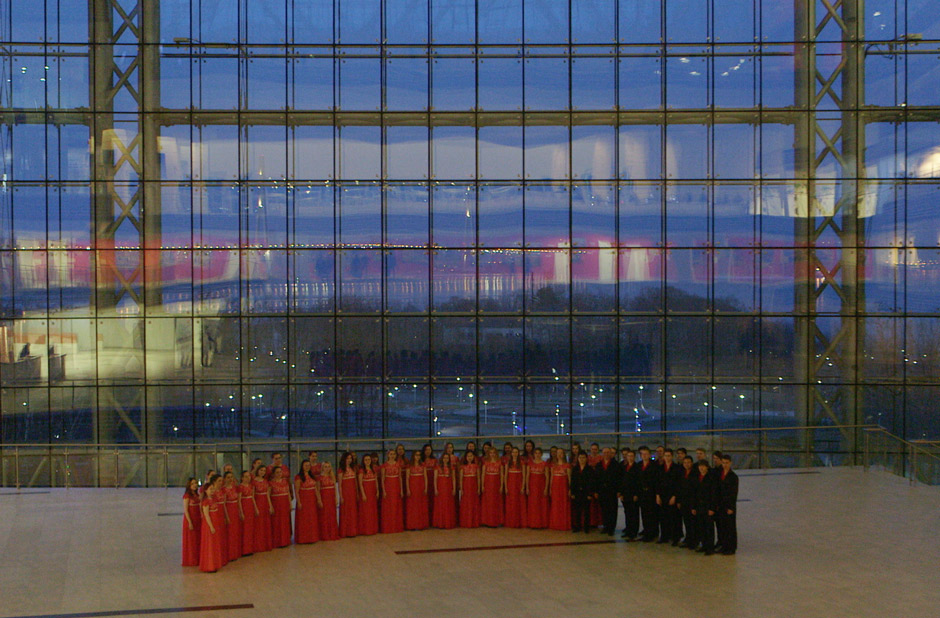 "FEFU Academic Choir (1) performing in Marios Joannou Elia's ""Sound of Vladivostok"" (c) Полина Рыжая"